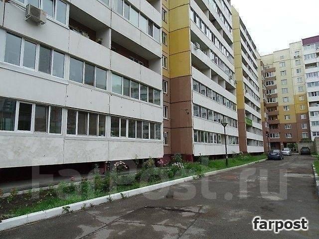 3-комнатная, улица Адмирала Горшкова 40. Снеговая падь, проверенное агентство, 69 кв.м. Дом снаружи