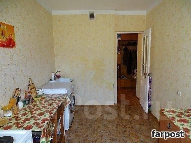 3-комнатная, улица Адмирала Горшкова 40. Снеговая падь, проверенное агентство, 69 кв.м.