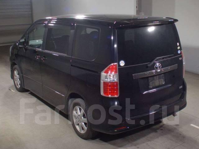 Toyota Noah. ZRR75, 3ZRFE