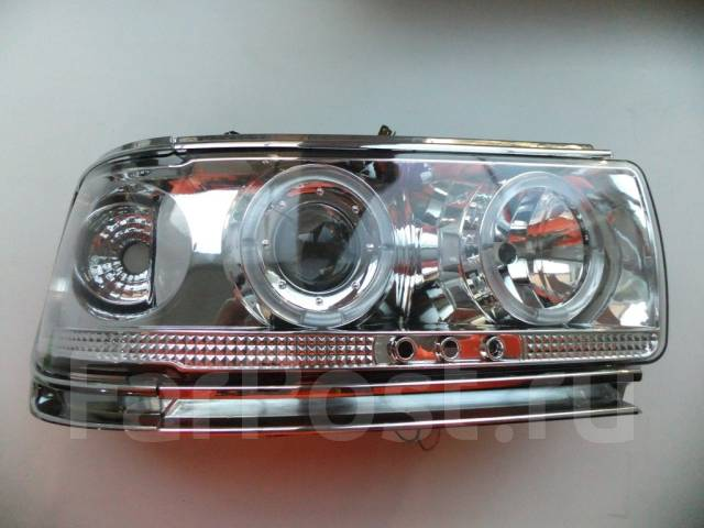 Фара. Toyota Land Cruiser