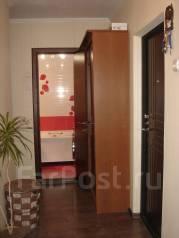 2-комнатная, улица Адмирала Кузнецова 78. 64, 71 микрорайоны, проверенное агентство, 52 кв.м. Прихожая