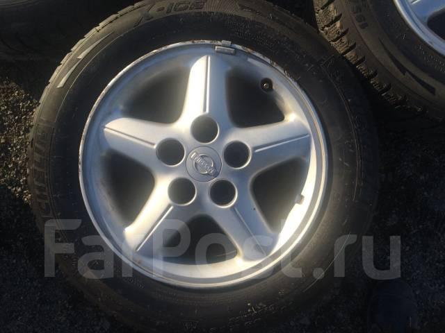 Комплект автошин 195/65R15 на дисках 15х6.5 5х114,3 ET+40. 6.5x15 5x114.30 ET40 ЦО 73,1мм.