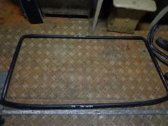 Уплотнитель лобового стекла. Mitsubishi Canter