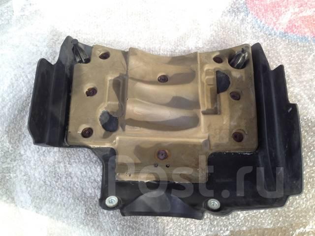 Крышка двигателя. Infiniti QX56 Двигатель VK56DE