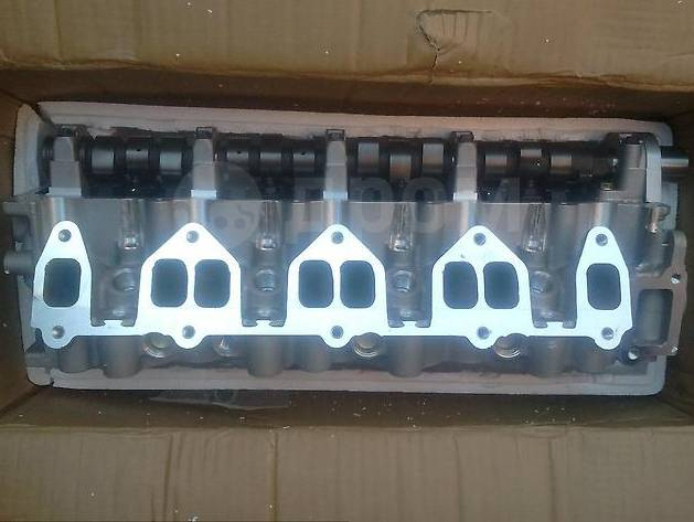 Головка блока цилиндров. Mazda Proceed, UF66M, UV56R, UV66R, UVL6R Mazda MPV, GE5P, GE8P, GEEP, GEFP, GESR, LV, LV5W, LVEW, LVEWE, LVLR, LVLW Двигател...