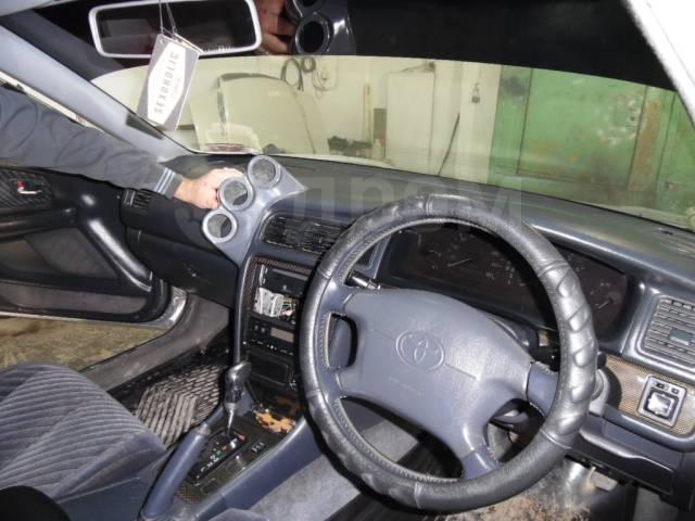 Подиум. Toyota Mark II, JZX100 Toyota Cresta, JZX100 Toyota Chaser, JZX100