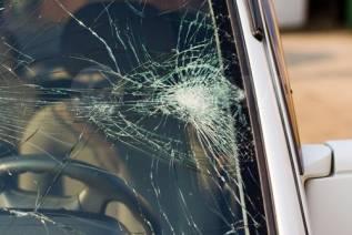 Ремонт сколов и трещин на авто стеклах.