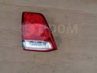Вставка багажника. Toyota Land Cruiser, GRJ200, URJ200, URJ202, URJ202W, UZJ200, UZJ200W, VDJ200 Двигатели: 1GRFE, 1URFE, 1VDFTV, 2UZFE, 3URFE