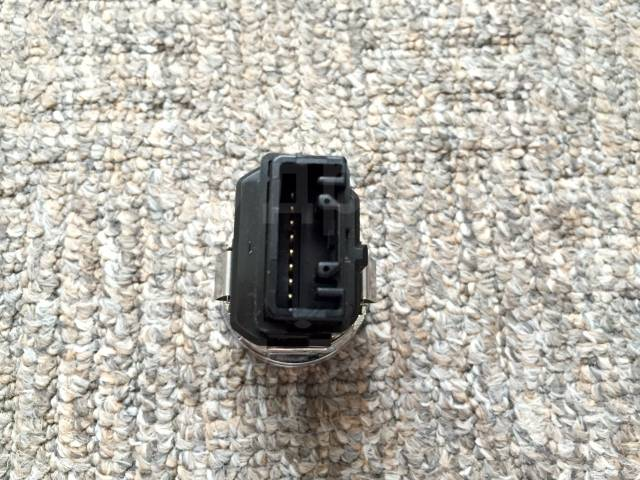 Кнопка запуска двигателя. Toyota Crown, GRS182