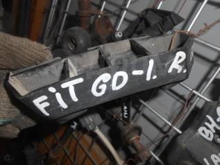 Крепление бампера. Honda Fit, GD1 Двигатель L13A