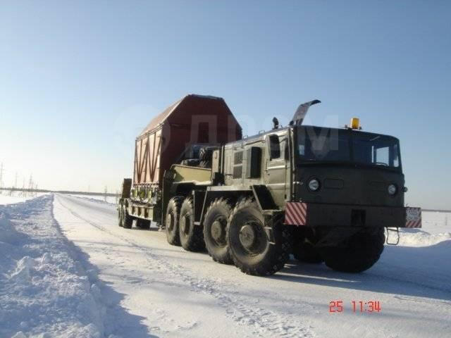 МАЗ. Тягач тяжеловоз 537 с тралом Чмзап 5247Г, 38 880куб. см., 80 000кг.