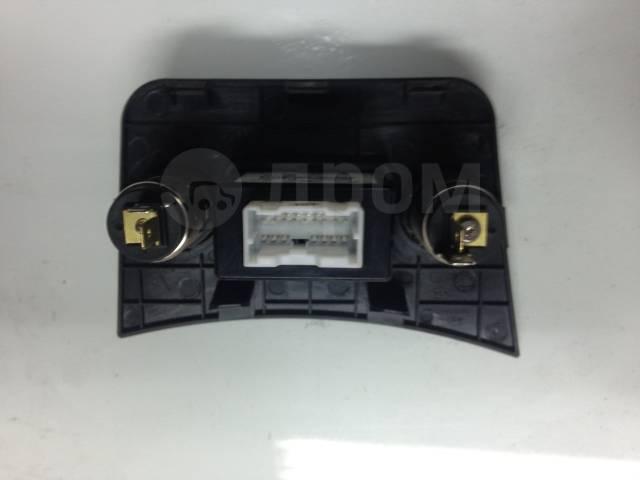 Панель пола багажника. Hyundai Accent Hyundai Solaris