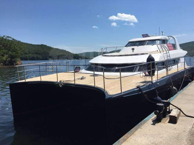Аренда катера во Владивоста, VIP катамарана, моторной яхты, быстроход. 30 человек, 40км/ч