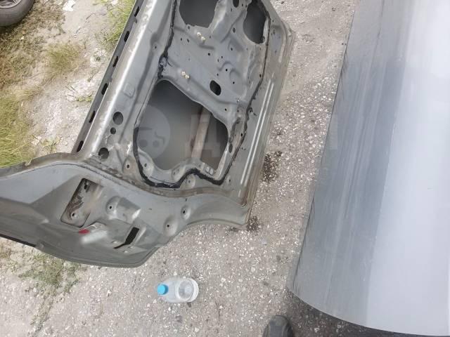 правая задняя дверь mazda mpv в новосибирске