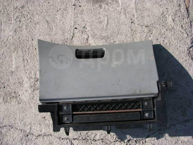 Бардачок. BMW 3-Series, E46, E46/2, E46/2C, E46/3, E46/4, E46/5, Е46