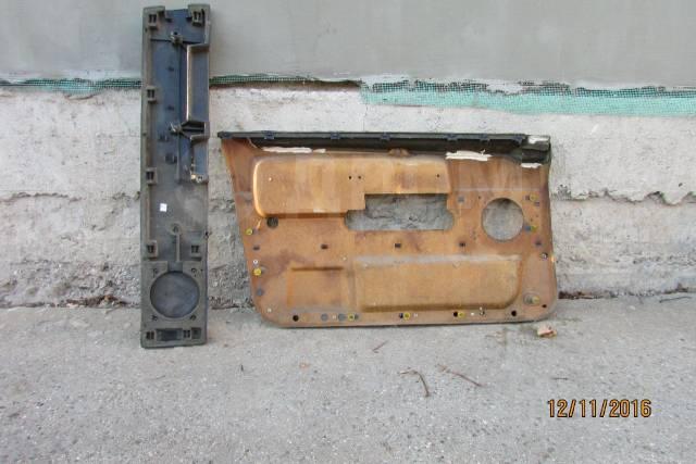 Панель дверная передняя правая. Volvo 760, sedan Volvo 740, sedan