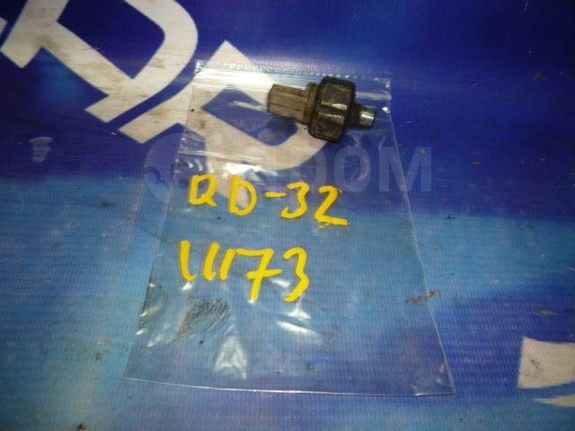 Датчик давления масла Nissan Caravan VWMGE24 QD32