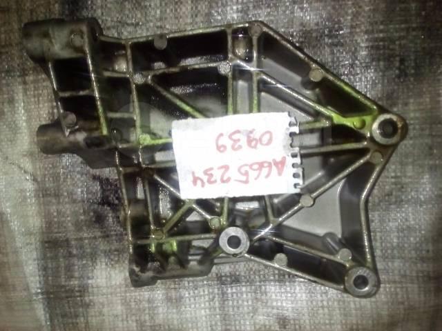 Крепление компрессора кондиционера. SsangYong: Stavic, Actyon, Actyon Sports, Rexton, Kyron, Korando Двигатели: D20DTR, D20DT, D20DTF