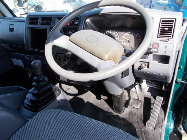 Hino Ranger. 4WD, мебельная будка 4,4м., 4 100куб. см., 4 000кг.