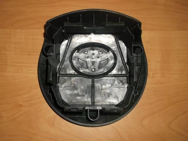 Крышка подушки безопасности. Toyota Yaris, KSP130, NCP131, NSP130 Двигатели: 1KRFE, 1NRFE, 1NZFE