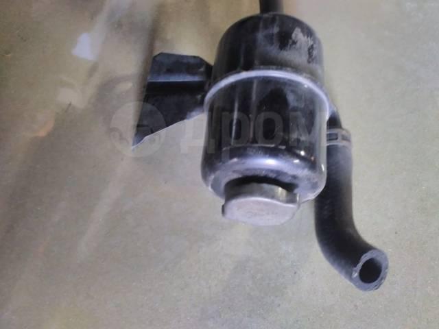 Бачок гидроусилителя руля. Mitsubishi Delica, PB6W, PD6W, PD8W, PE6W, PE8W, PF6W, PF8W Двигатели: 4M40, 6G72