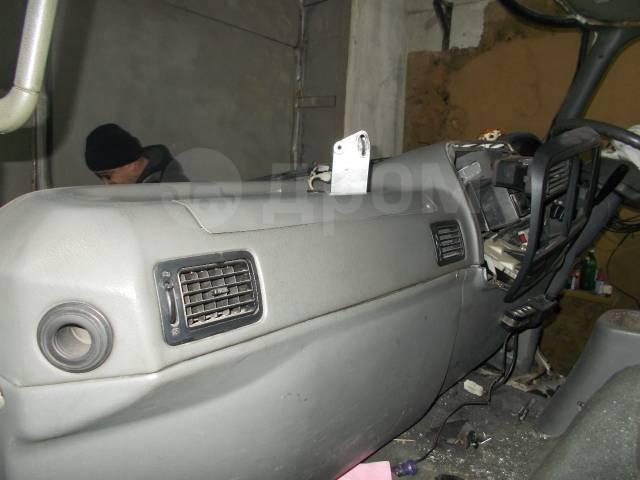 Кабина. Mitsubishi