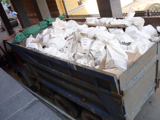 Вывоз мусора картона, демонтаж, пенопласта, резины частное лицо!