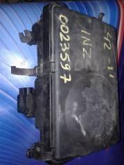 Корпус воздушного фильтра. Toyota Prius, NHW20, ZVW30, ZVW30L, ZVW35 Двигатели: 1NZFXE, 2ZRFXE