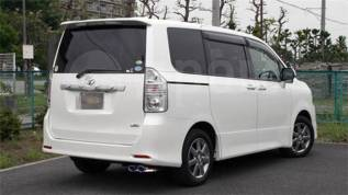 Губа. Toyota Voxy Toyota Noah