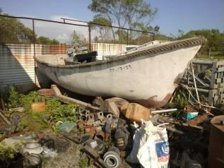 Лодка. 1980 год год, длина 7,00м., двигатель стационарный, 1,00л.с., дизель