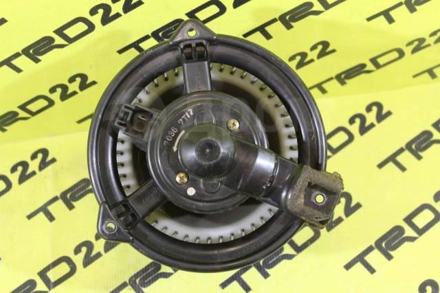 Мотор печки. Toyota Crown Majesta, GS141, GS151, JZS141, JZS143, JZS145, JZS147, JZS149, JZS151, JZS153, JZS155, JZS157, LS141, LS151, UZS141, UZS143...