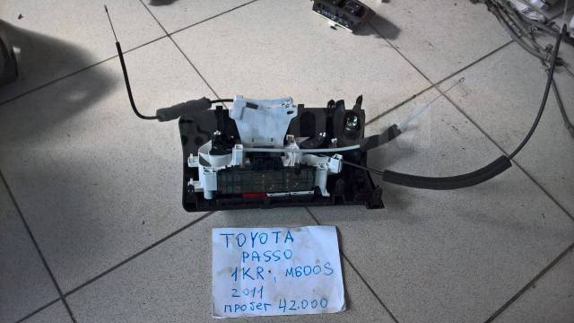 Блок управления климат-контролем. Toyota Passo, KGC30 Двигатель 1KRFE