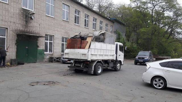 Вывоз строительного мусора/старой мебели/Утилизация шин/Недорого.