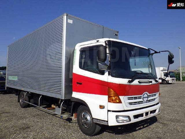 Hino Ranger. HINO Ranger 2004г, 6 400куб. см., 3 200кг.