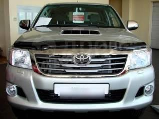 Накладка на фару. Toyota Hilux