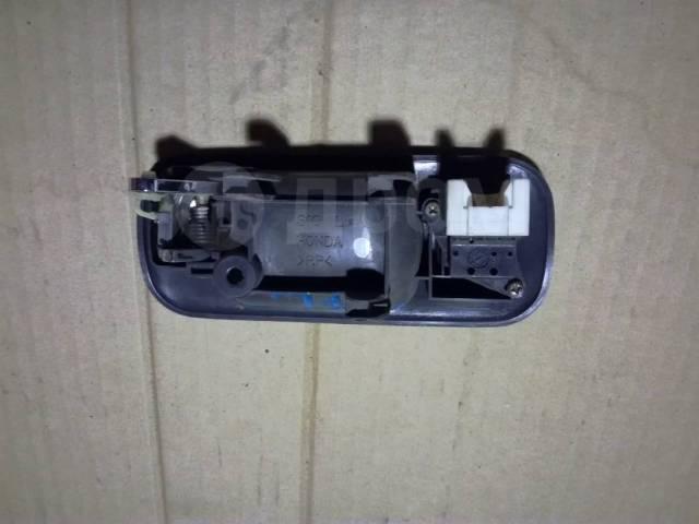 Ручка двери внутренняя. Honda CR-V, RD1, RD2 Honda Capa, GA4, GA6 Двигатели: B20B, B20B2, B20B3, B20B9, B20Z1, B20Z3, D15B