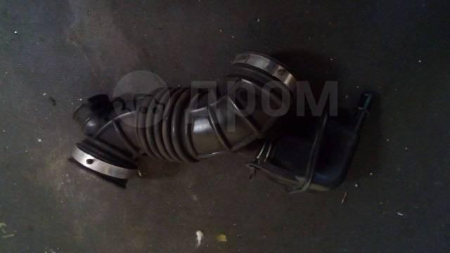 Патрубок воздухозаборника. Nissan Serena, C25, CC25, CNC25, NC25 Двигатель MR20DE