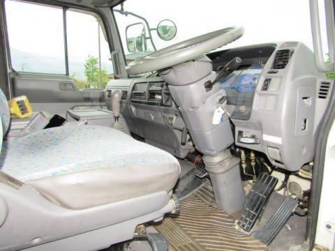 Hino Ranger. Манипулятор , 8 000куб. см., 5 000кг. Под заказ