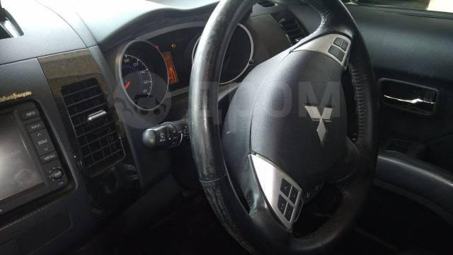 Лючок топливного бака. Mitsubishi Outlander, CW6W Двигатель 6B31