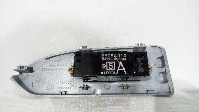Кнопка стеклоподъемника Mitsubishi Colt