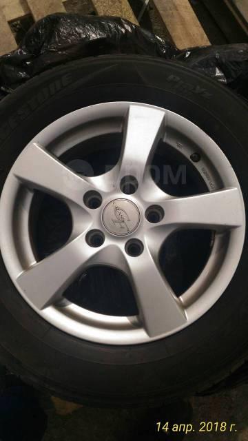 """Комплект шины + диски. 6.0x15"""" 5x114.30 ET37 ЦО 73,0мм."""