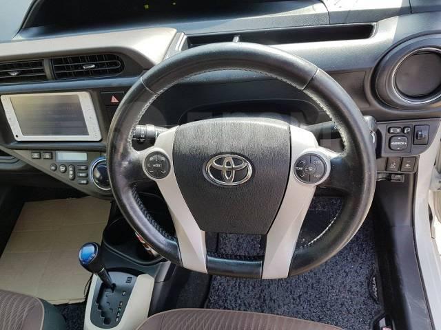 Toyota Aqua. Без водителя