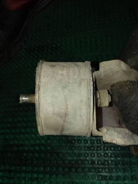Крепление двигателя. Лада 4x4 2121 Нива, 2121 Лада 4х4 2121 Нива, 2121 Двигатели: BAZ21213, BAZ21214