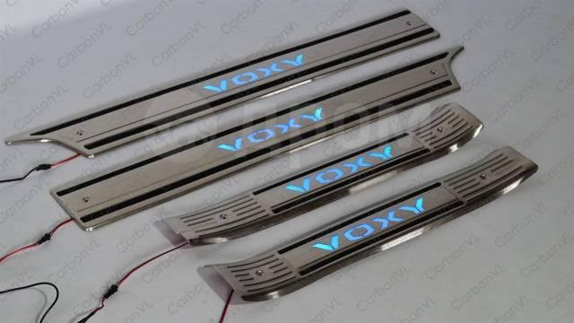 Накладка на порог. Toyota Voxy, ZRR80G, ZRR80W, ZRR85G, ZRR85W, ZWR80G, ZWR80W