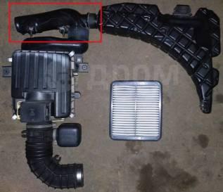 Воздухозаборник. Suzuki Escudo, TA02W, TA52W, TD62W, TL52W, TX92W Двигатель J20A