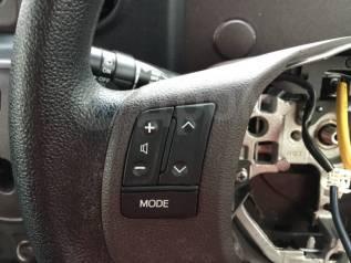 Переключатель на рулевом колесе. Toyota Spade