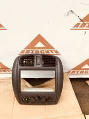 Консоль центральная. Mazda Familia S-Wagon, BJ5W Двигатели: ZL, ZLDE, ZLVE