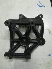 Крепление компрессора кондиционера. Mitsubishi Chariot, N84W, N94W Mitsubishi Chariot Grandis, N84W, N94W Двигатель 4G64