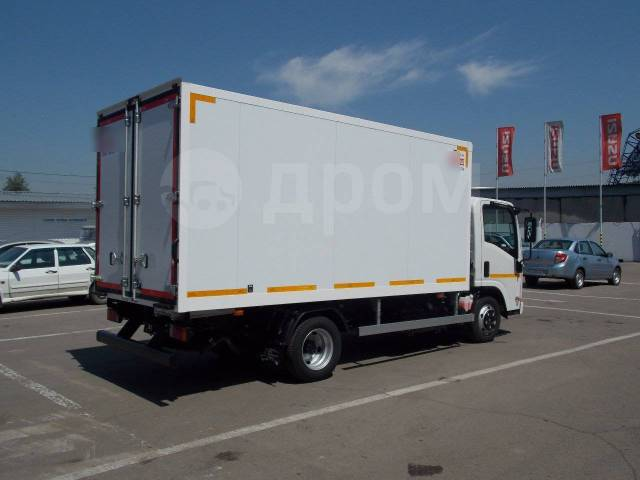 Isuzu Elf. Isuzu ELF изотермический фургон, 3 000куб. см., 3 000кг.