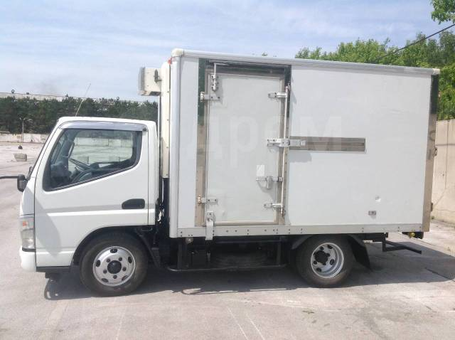 Мицубиси кантер, 2003. Продам рефрежиратор 2,5 тонны, 2 500кг., 6x4